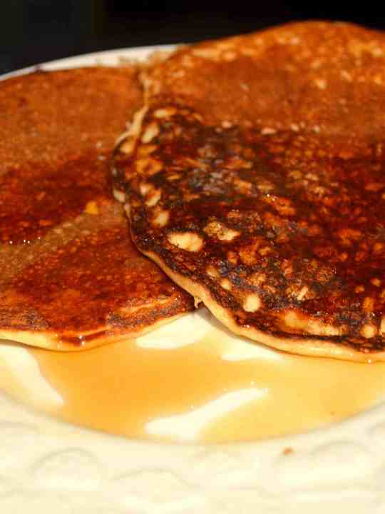 The BEST Low-Carb Protein Pancakes EVER