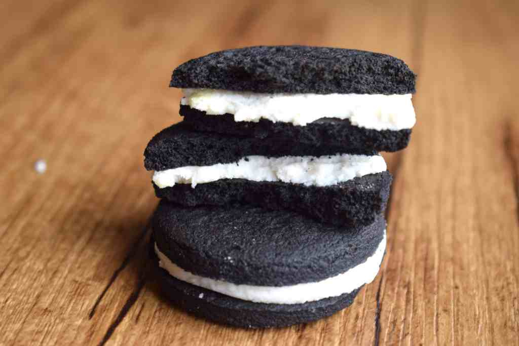 inside view keto Oreo cookies