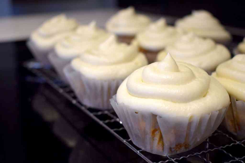 keto carrot cupcakes frosted