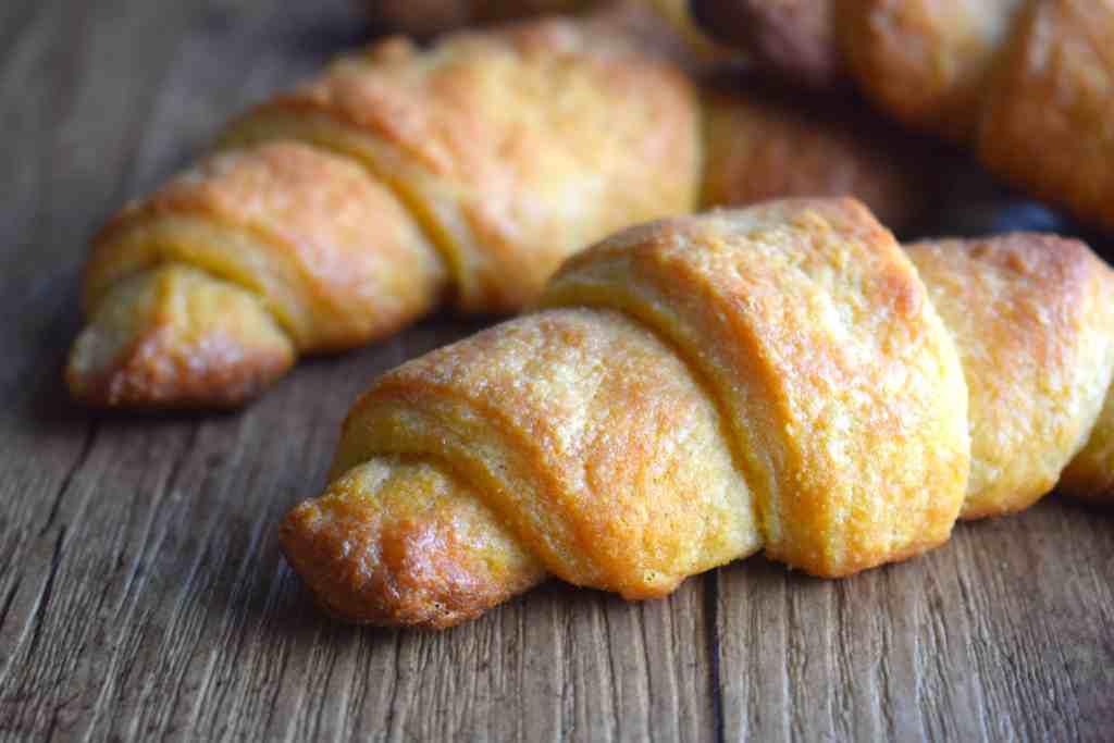 low carb keto croissants