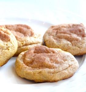 keto cheesecake stuffed snickerdoodle cookies