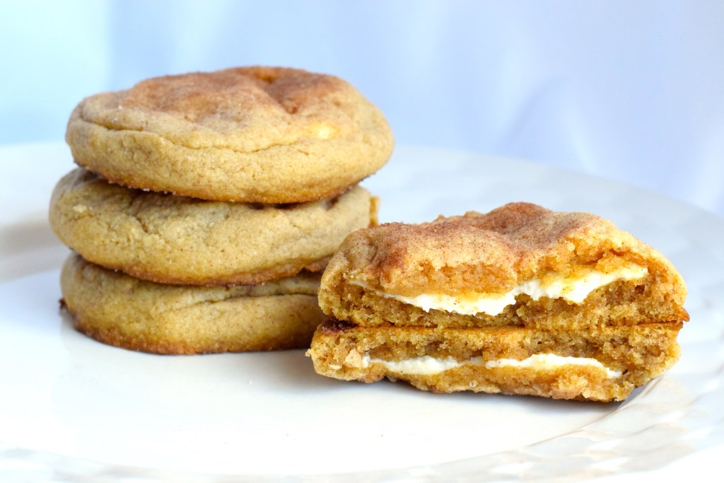 keto cream cheese stuffed snickerdoodle cookies
