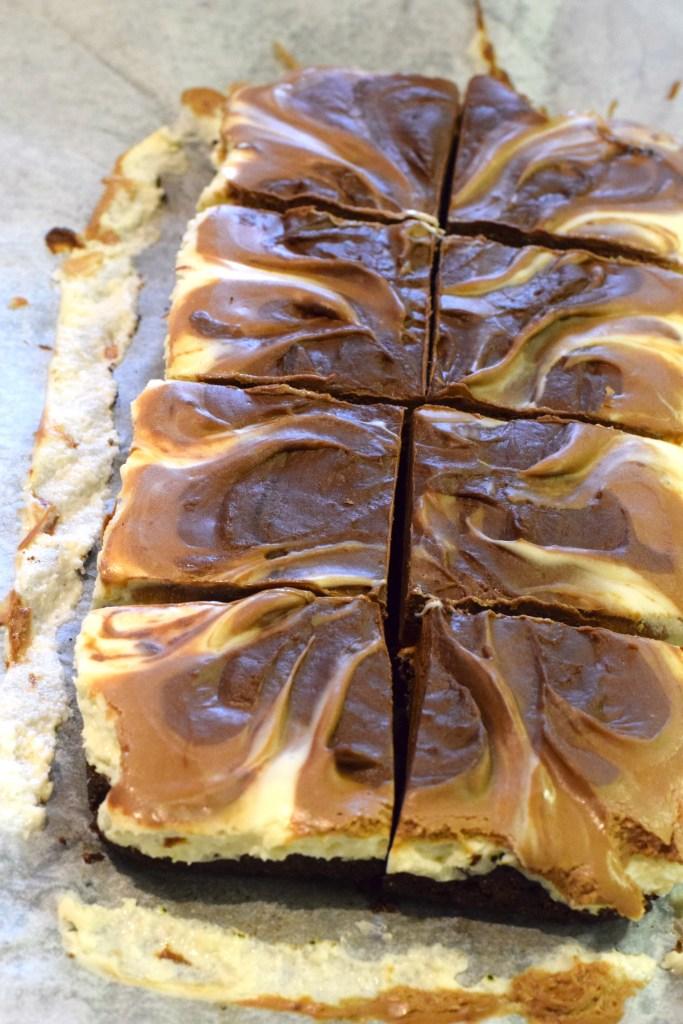 no bake keto marble cheesecake bars