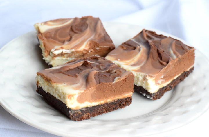 No Bake Keto Chocolate Cheesecake Bars