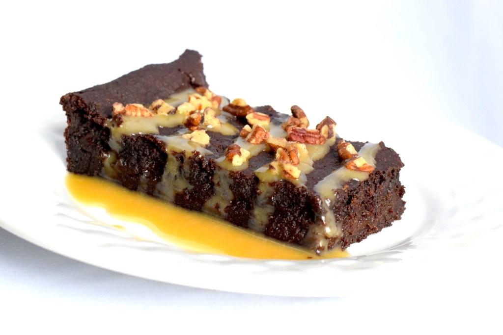 keto chocolate turtles cake