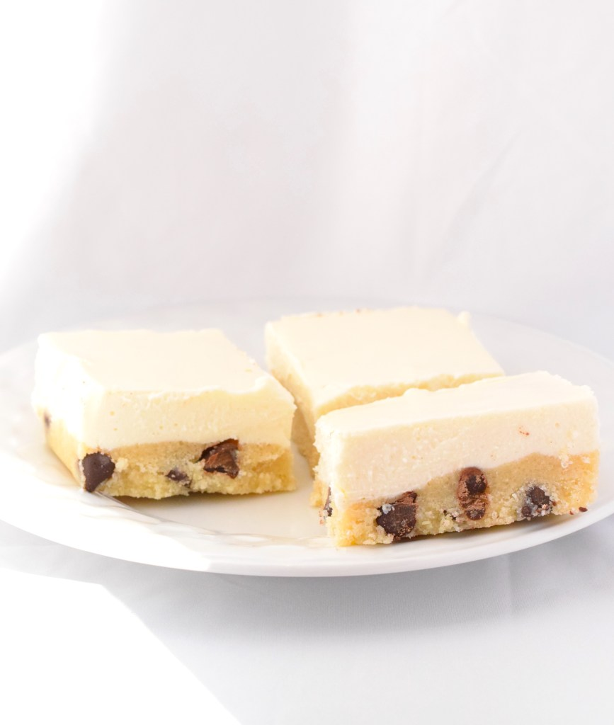keto no bake cookie dough cheesecake bars