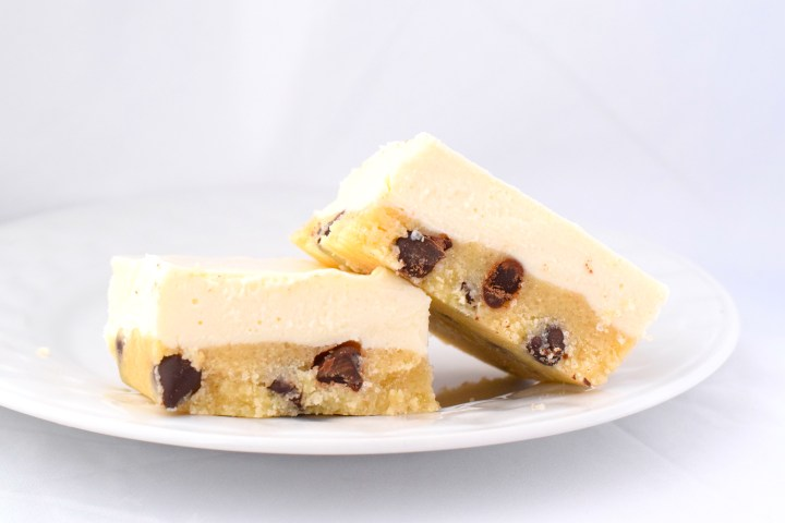 Keto No Bake Cookie Dough Cheesecake Bars