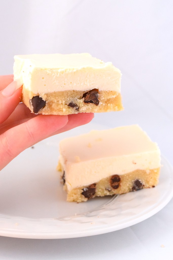 chocolate chip cookie cheesecake bars keto