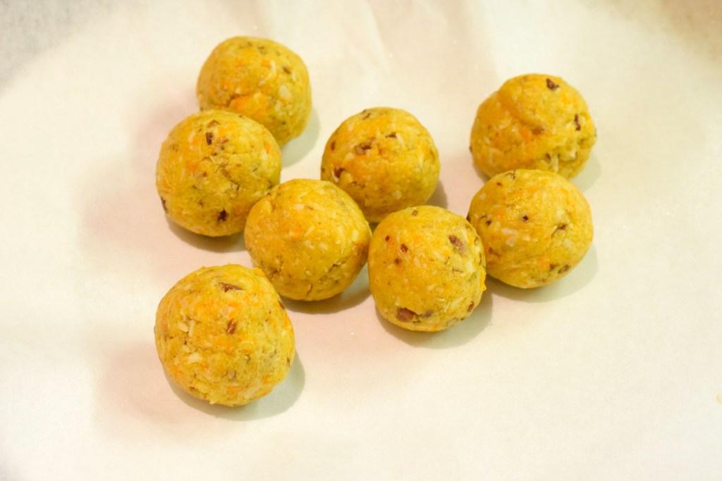 keto carrot cake balls