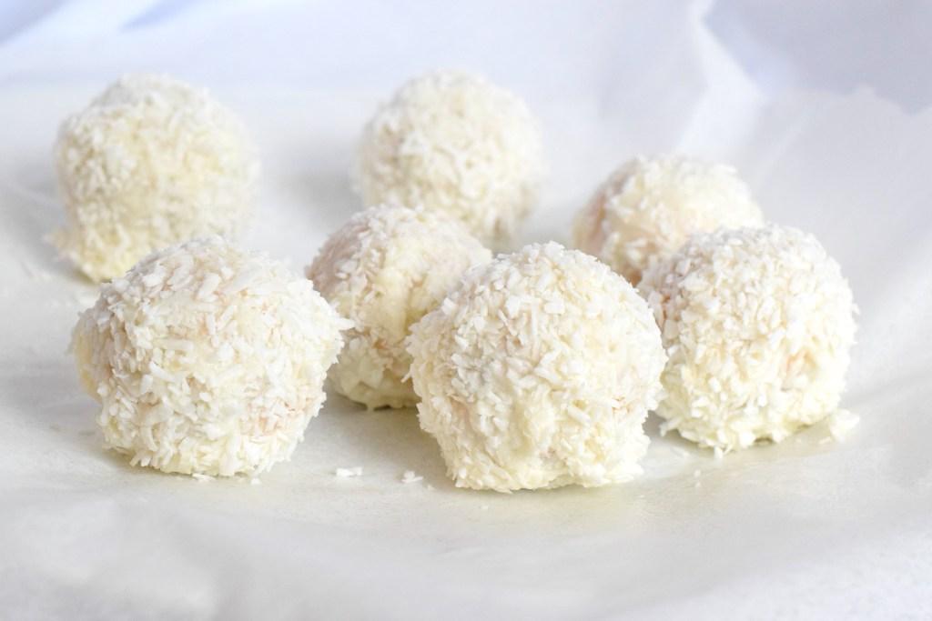 no bake keto coconut carrot cake balls