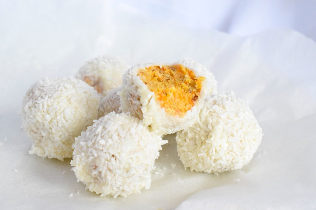keto no bake carrot cake balls recipe