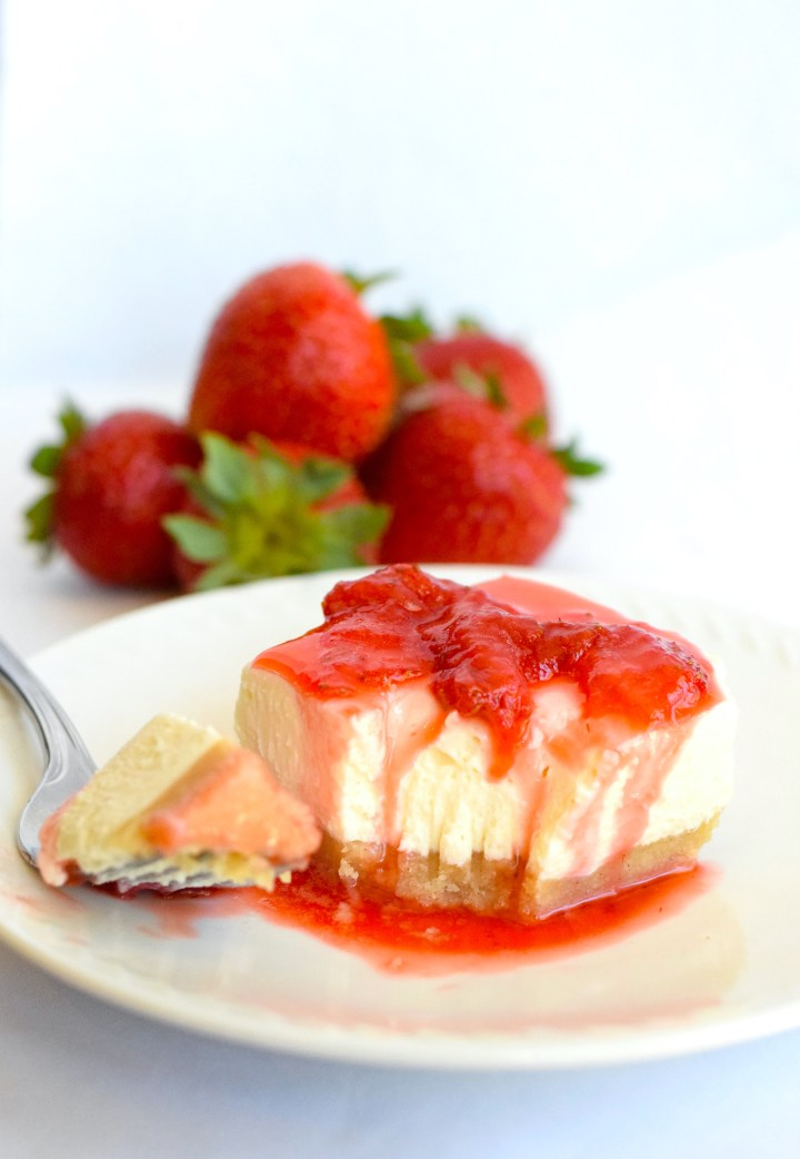 No Bake Keto Strawberry Cheesecake