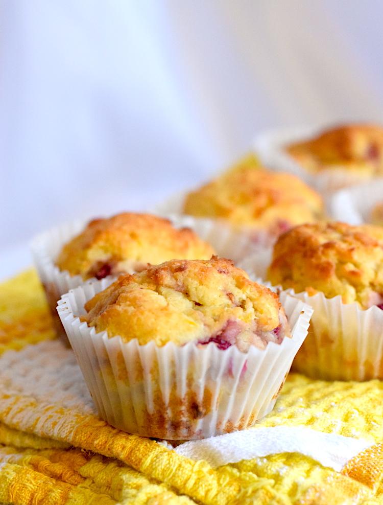 keto friendly lemon raspberry muffins