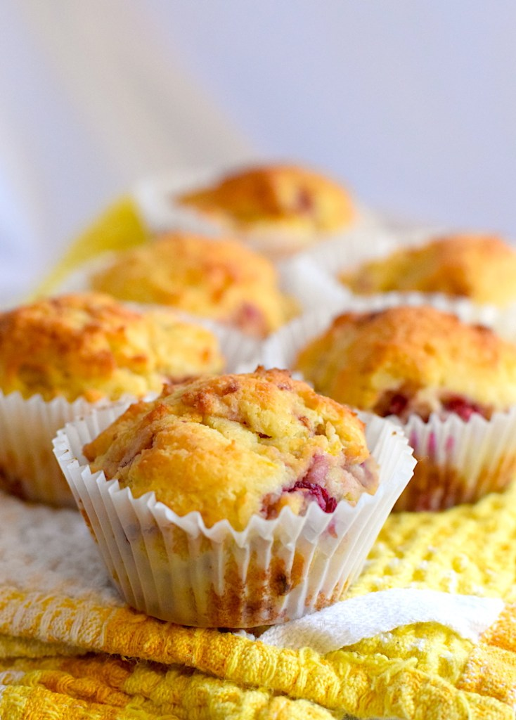 keto lemon raspberry muffins