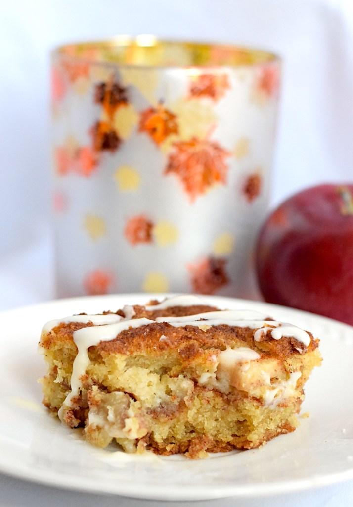 keto low carb apple cinnamon cake