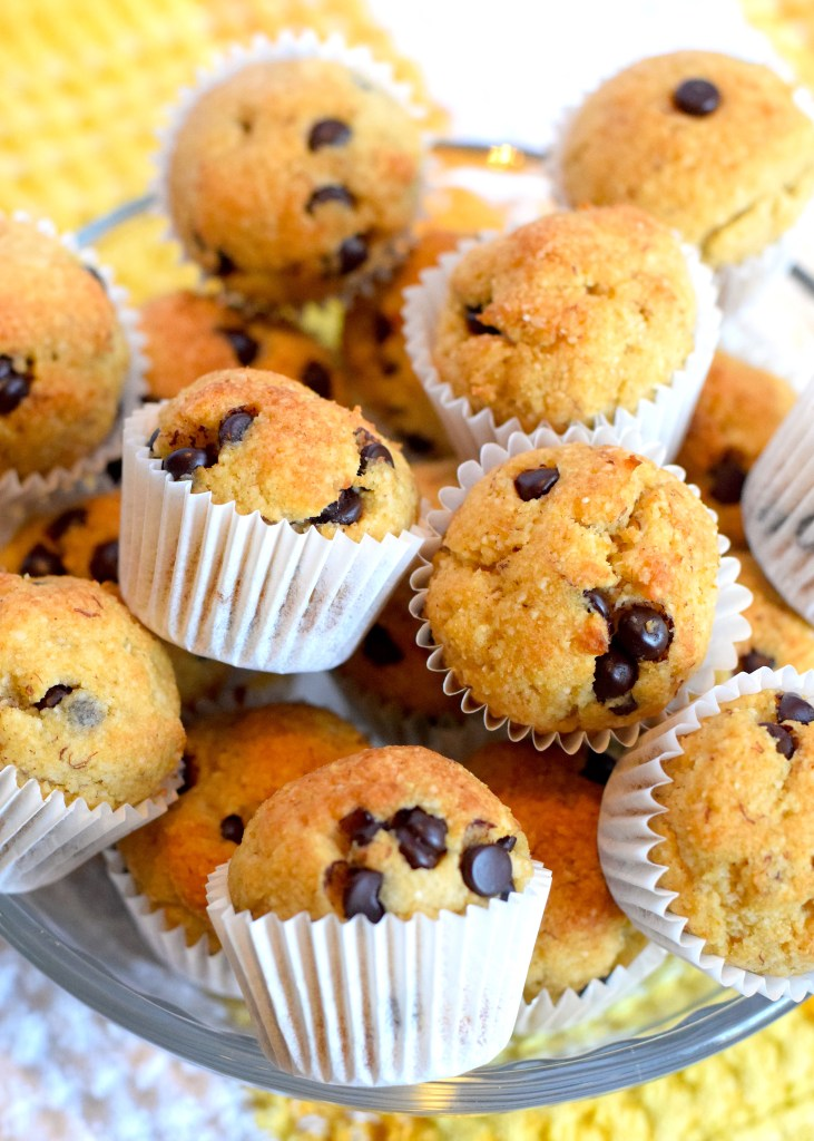 keto mini banana chocolate chip muffins