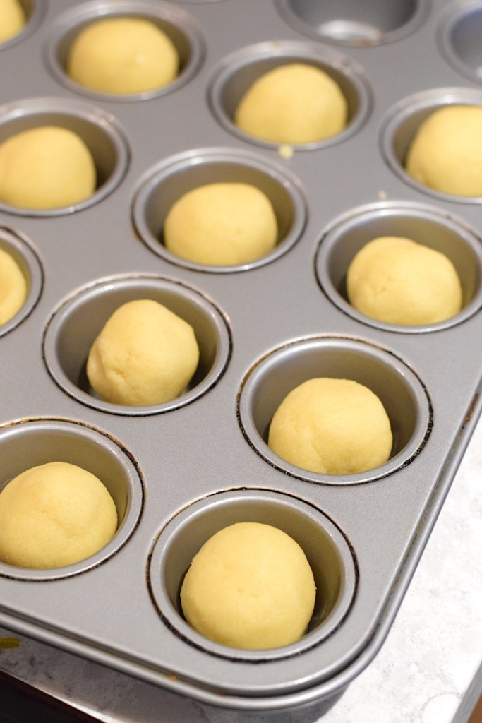 balls of keto sugar cookie dough