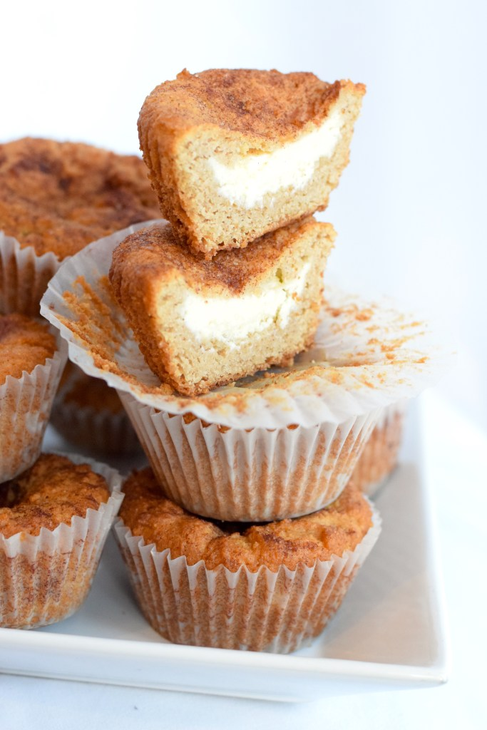 keto cheesecake stuffed snickerdoodle muffins