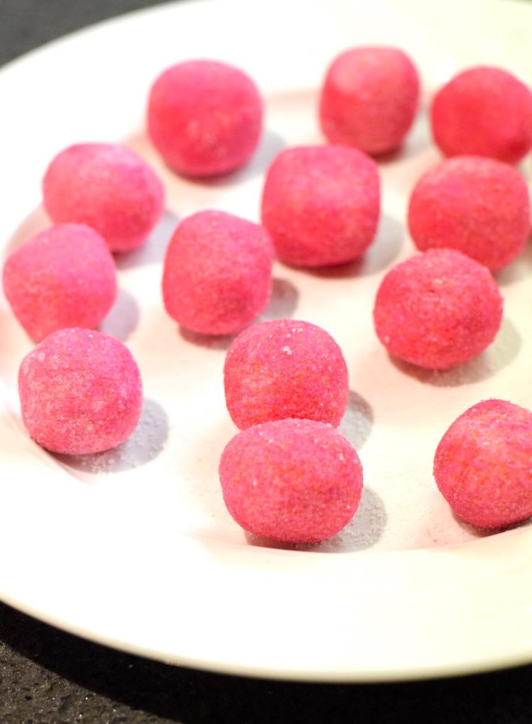 keto strawberry cream cheese balls
