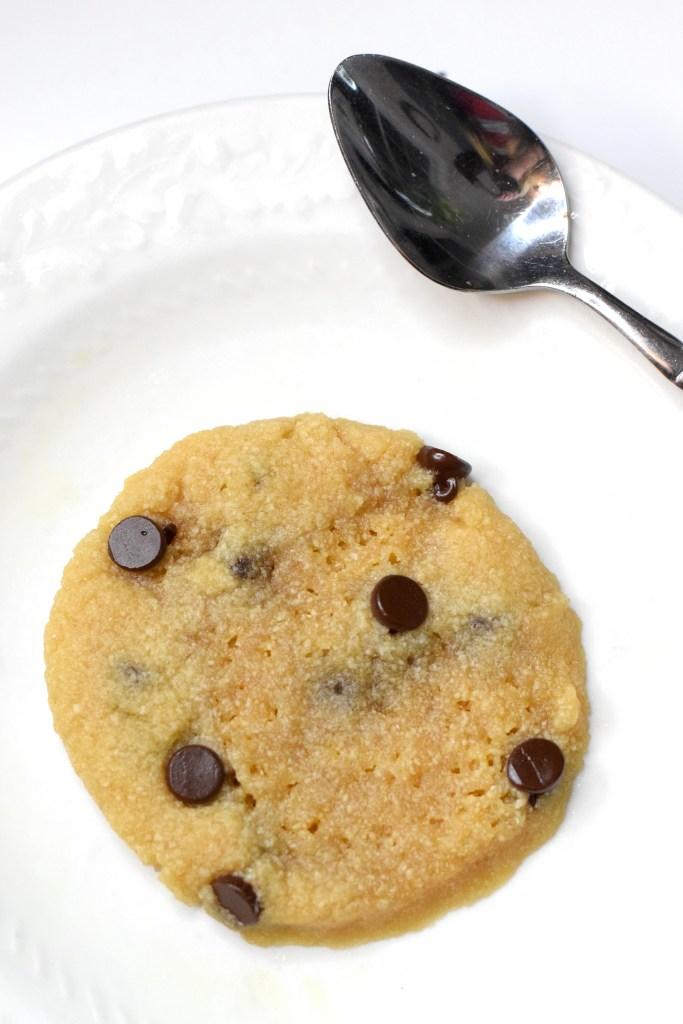 easy keto chocolate chip cookies