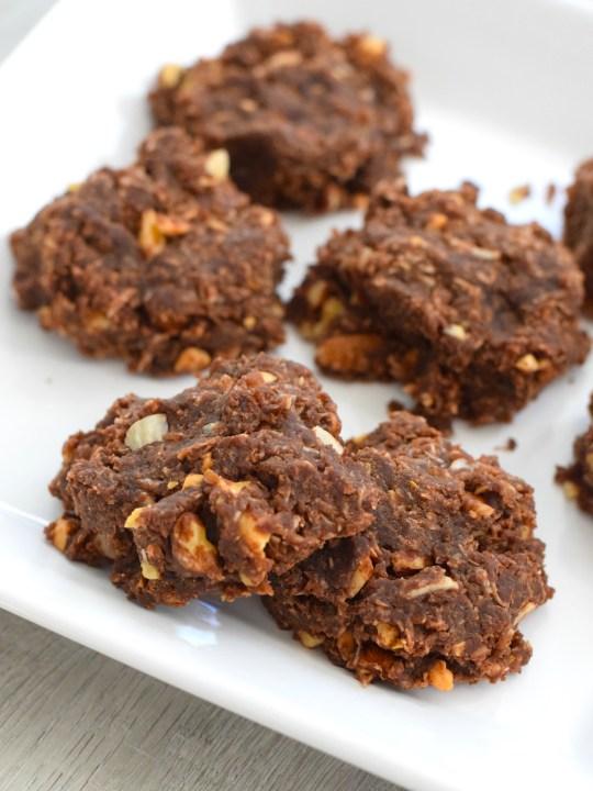 Keto No Bake Chocolate Peanut Butter Cookies