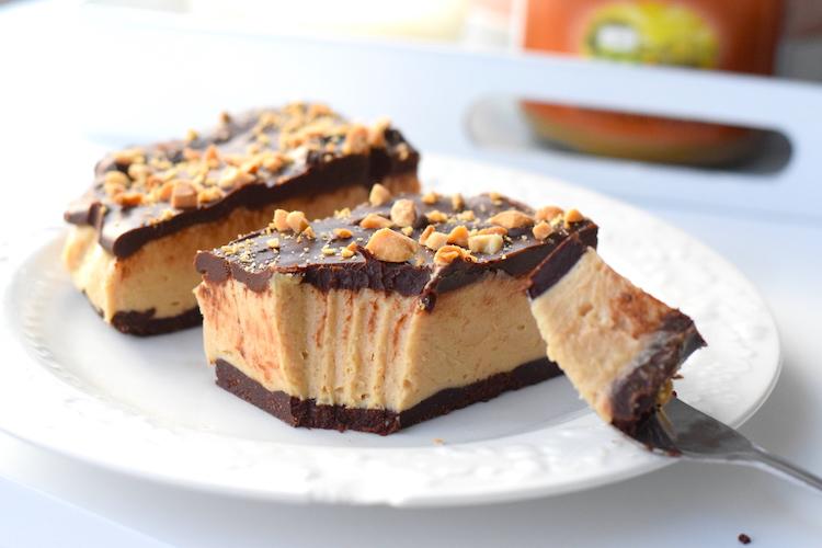 the best keto chocolate cheesecake