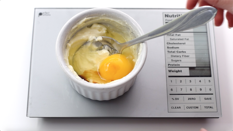 egg vanilla extract cream cheese