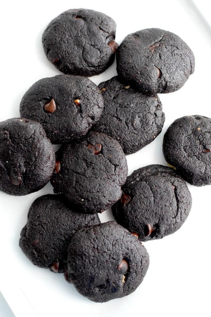 keto almond flour chocolate cookies