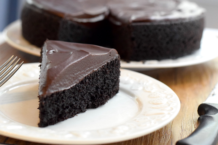 keto chocolate frosted cake