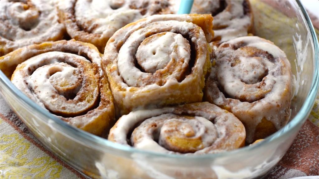 low carb cinnamon rolls lupin flour