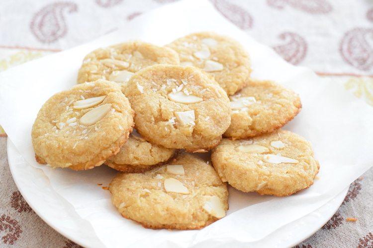 keto coconut almond cookies recipe