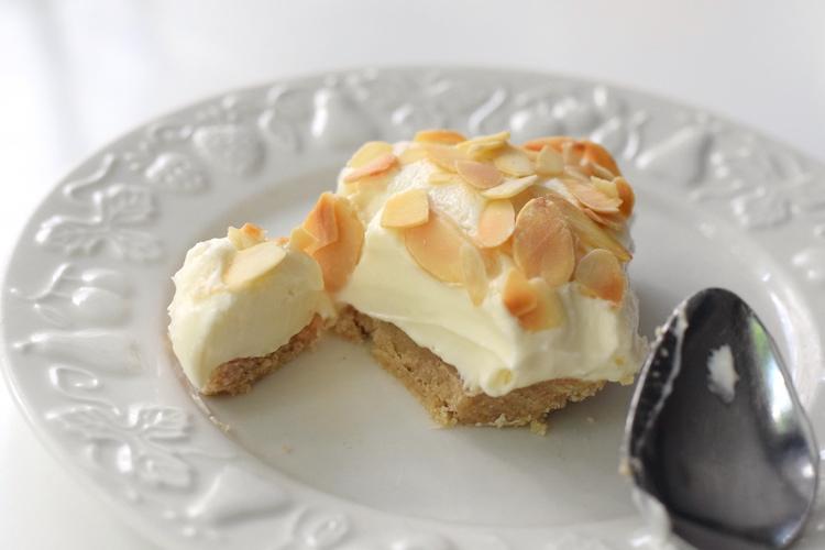 gluten free almond cheesecake