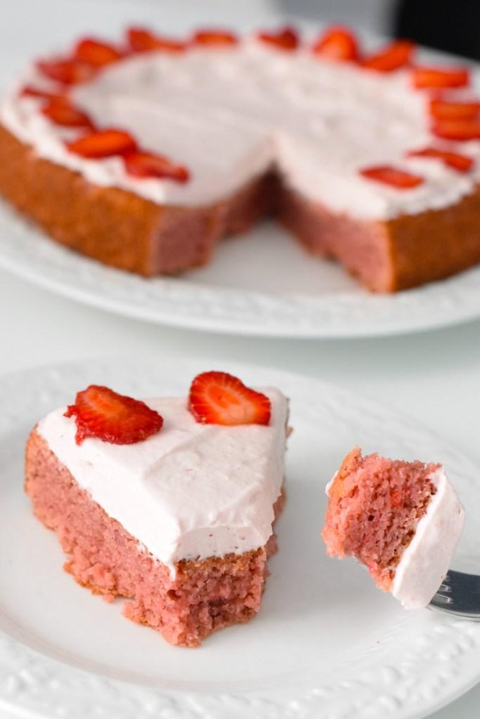 healthy keto strawberry cake