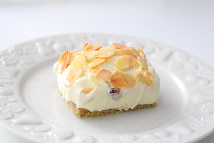 keto almond cheesecake