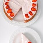 keto strawberry almond flour cake