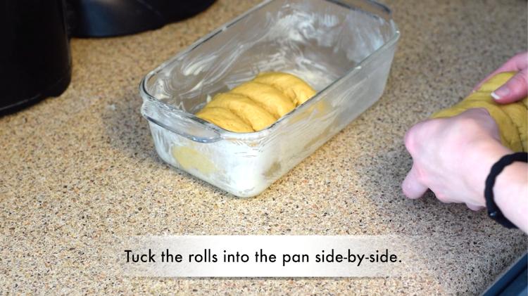 keto bread rolls rising